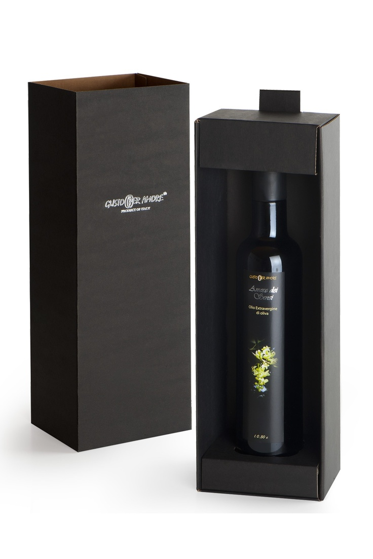 """$16.20 - oil gift set """"Amore dei Sensi"""" extra virgin olive oil 100% #italian 0,50 L.  A flavorful #oil #typical of #Abruzzo. The fruitage is light. The taste is mild, slightly bitter and spicy, perfectly balanced. Great for meats, fish, cheeses made with cow's milk or semi matured pecorino cheeses, vegetable soups and salads - #EVOO gift ideas - corporate gifts - olio extra vergine di oliva italiano -"""