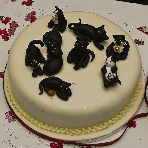 200 best Art Cat CakeCupcake images on Pinterest Cat cakes