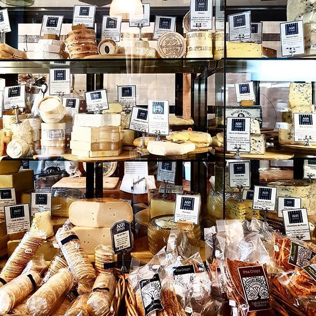 Where can you find a cheese case like this one????? @kitchenandbutcher that is where! Bring on Christmas celebrations with some of the best cheeses going around🧀