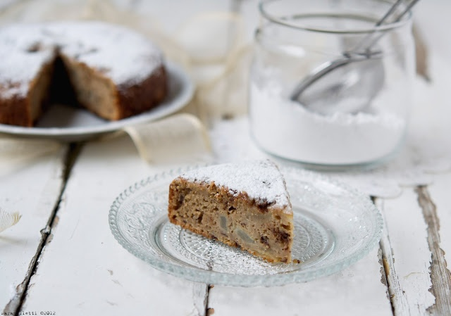 Pears, chocolate and chestnut flour cake