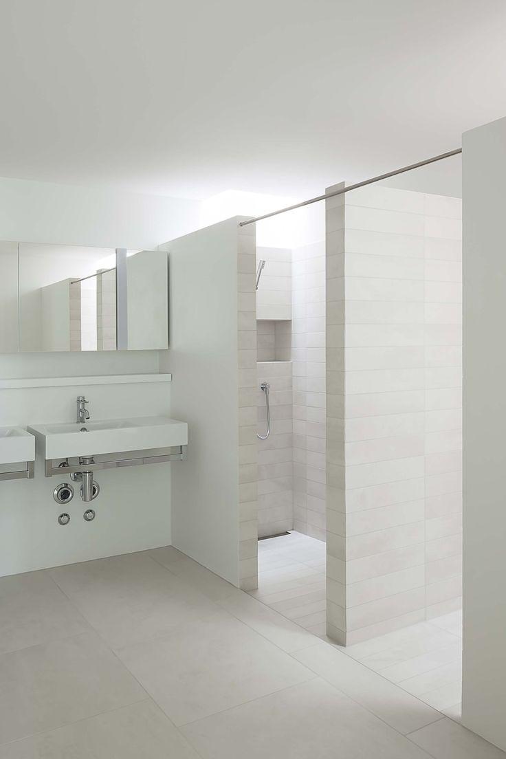 Weidterassen - Peter Kunz Architektur - Winterthur Switzerland - Terra XXL - #tiled #bathroom #white #shower #weidterassen #switzerland #terraxxl #collection #living #house #environment #livingenvironment #mosa #tiles #mosatiles #maastricht