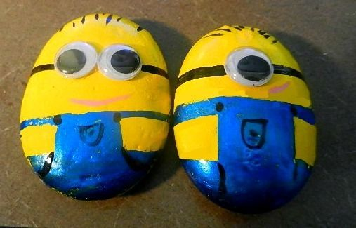 Despicable Me 2 Minion Rocks, painting rocks, rock painting, kids DIY Despicable Me 2 minions on rocks - Cupcakepedia