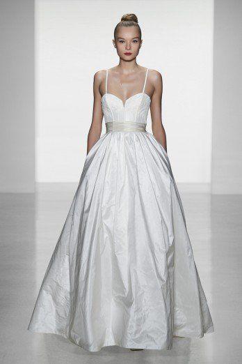 Model Cameron - 2014 Amsale Robe de mariée sur www.espacemariage.com
