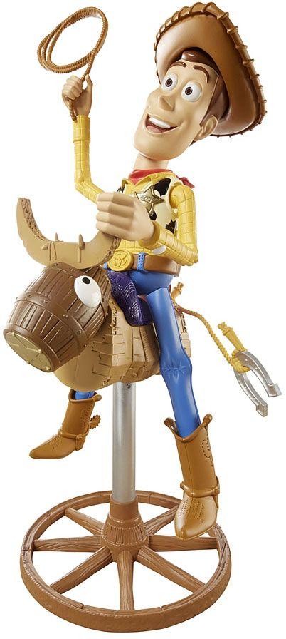 Ce grand jouet de plus de 40 cm met en scène Woody, le cow-boy de Secret Story, monté sur un drôle de taureau qui va le faire hurler de fun lors d'un rodéo endiablé !