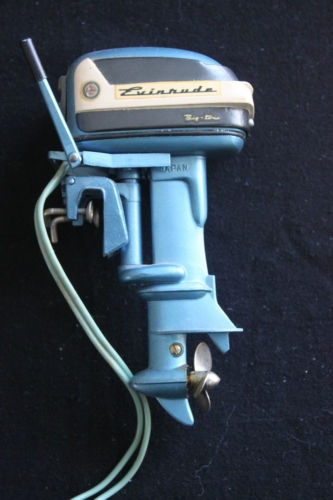I had a few of these little outboard motors to hang on the back of one of my little boats - some were really rinky-dink that just wound up with a rubber band' that was cranked tight and released to make it 'go.' I had another one that had a battery in it and an on-off switch - but I had to be careful not to let it get wet.
