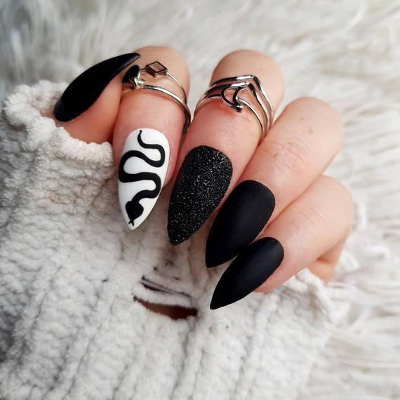 Snake Matte Black Press On Nail Gothic Black Glue On Nails Etsy In 2020 Edgy Nails Punk Nails Stiletto Nails Designs