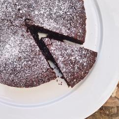 Chocolade mokka cake met zachte binnenkant, zo simpel en eigenlijk gewoon te lekker!