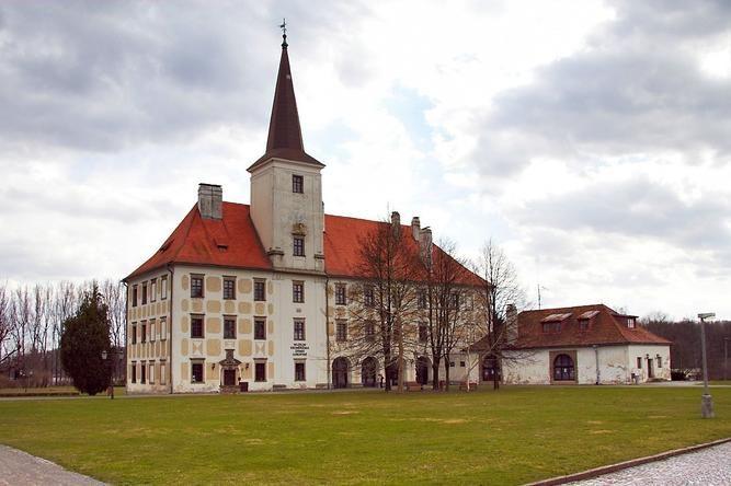 Galerie - Zámek Chropyně (Zámek) • Mapy.cz