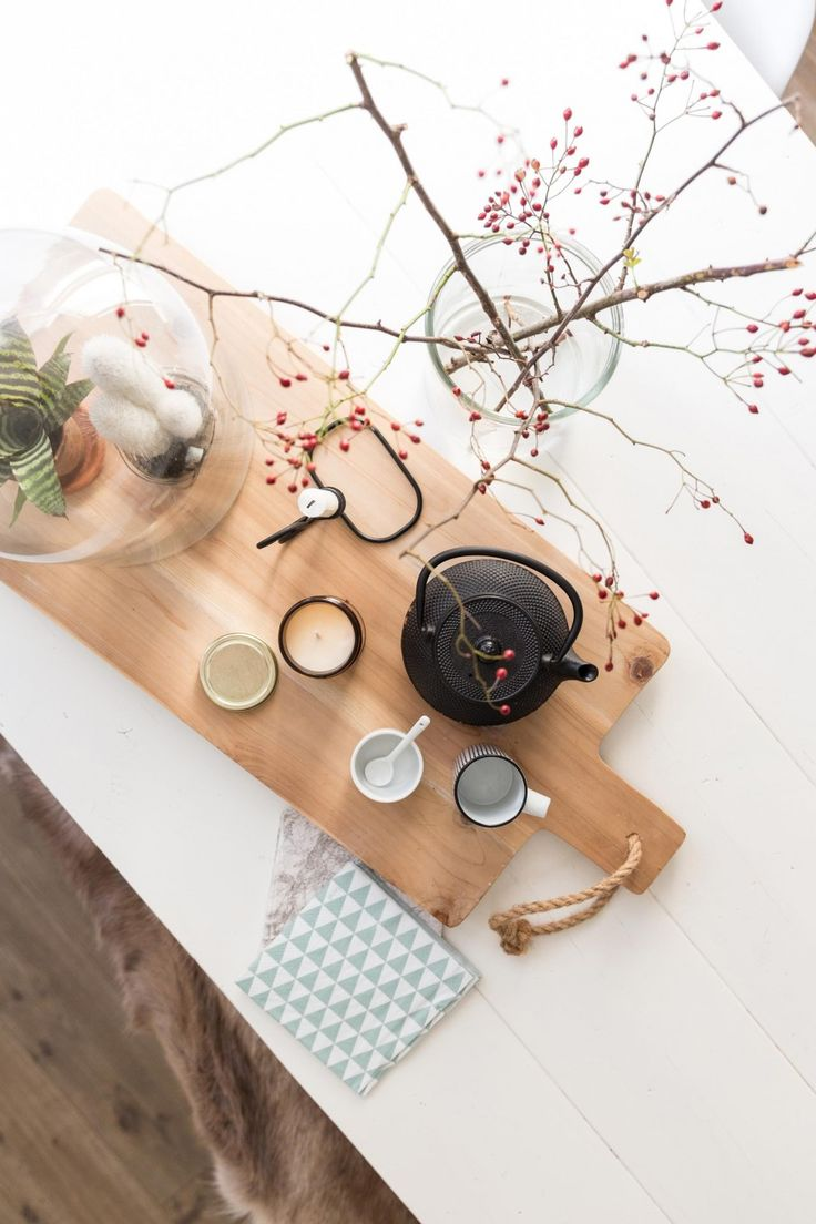 Breadboard and tableware | Styling Sabine Burkunk | Photographer Hans Mossel | vtwonen July 2015