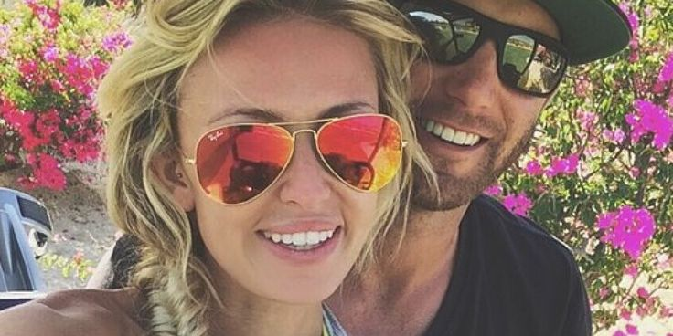 Paulina Gretzky takes cute selfie with fiancee Dustin Johnson.