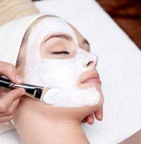Domácí kosmetika - Jak si vytvořit vlastní pleťovou masku pro suchou pleť