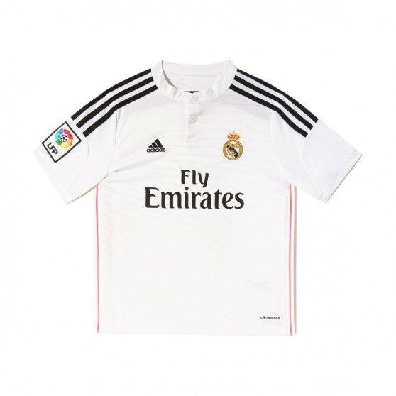 Dit is de juniorversie van het @adidas Real Madrid #thuisshirt. Dit shirt heeft roze details, als verwijzing naar het uitshirt. De Climacool ventilatie maakt het een comfortabel shirt voor de jonge voetbalfan. #dws