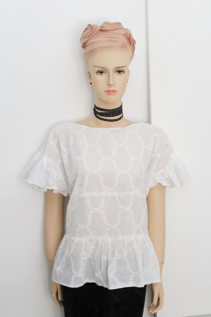 White frill top. FREE sewing apttern on Greenie Dresses for Less blog. #diyfashion #diytop #sewing #freepatterns