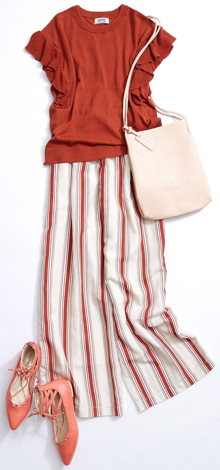 """究極の心地よさ! パジャマ風イージーパンツ! ルミネ池袋のショップから、夏のヘビロテアイテム""""ワイドパンツ""""を使ったスタイルをご紹介。人気スタイリストMeguさんがシンプル服にトレンド小物を合わせた、今どき感たっぷりのキレ味のあるコーディネートを提案します!"""