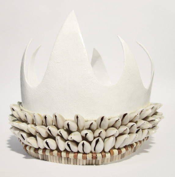 Kit completo de coroa, impulsas e ferramentas para Luango. Acabamentos em búzios e cerâmicas.