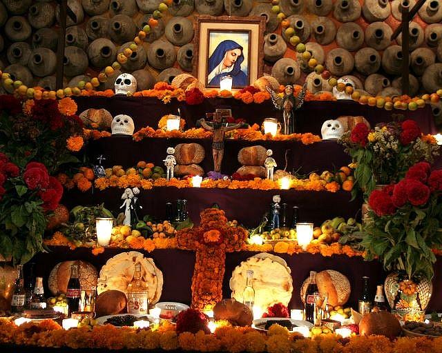 Oaxaca Altar de Dia de Muertos