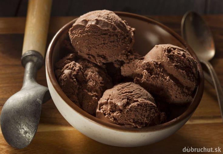 Domáca čokoládová zmrzlina s vanilkou