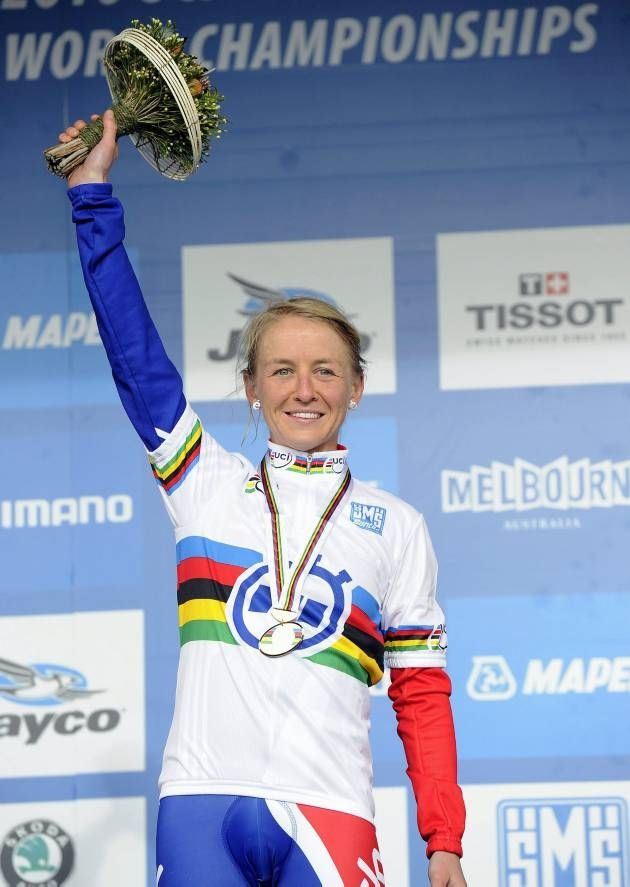 emma pooley   Great Britain's Emma Pooley stands on the winners podium after the ...