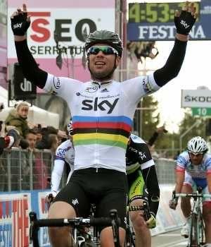 Cavendish gana quinta etapa del Giro