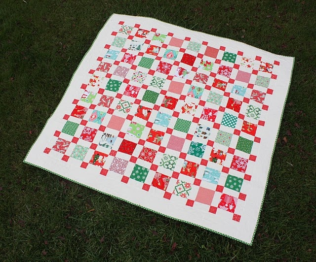 Retro Christmas quilt: Quilts Blog, Quilts Inspiration, Gorgeous Quilts, Christmas Quilts, Charms Packs, Retro Quilts, Quilts Ideas, Amy Smart, Retro Christmas