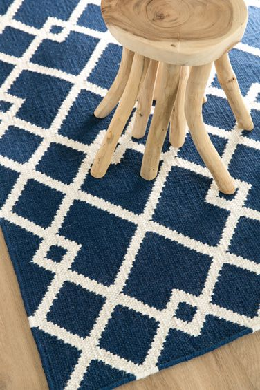 Evolve - With its bright, fashion-forward colours, the Evolve represents a traditional pattern with the chance to make a contemporary statement. This stand-out floor covering offers a beautiful design as well as the warmth and texture of a finely crafted, hand-woven wool rug.