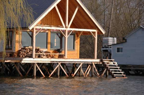 Advice on foundation for a cabin on stilts outside house Log cabin homes on stilts