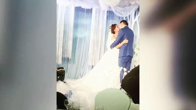 Hadi birde Çin düğümü paylaşayım:) #chinese #chinesewedding #wedding #joyful #fun #marriage #düğün #çin #evlenme #düğünorganizasyonu #organization #dogangunesayse1316 #cindüğünü #eylence #evlilikteklifi http://turkrazzi.com/ipost/1524471202444322955/?code=BUoAntMAaiL