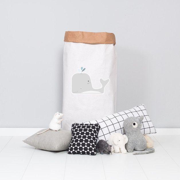 Die praktischen Papiersäcke sind im Kinderzimmer eine unverzichtbare Hilfe, um dem Spielzeug-Chaos Herr zu werden. Ob Kuscheltiere, Bausteine, Eisenbahn, Bälle oder schmutzige Wäsche, die Säcke...