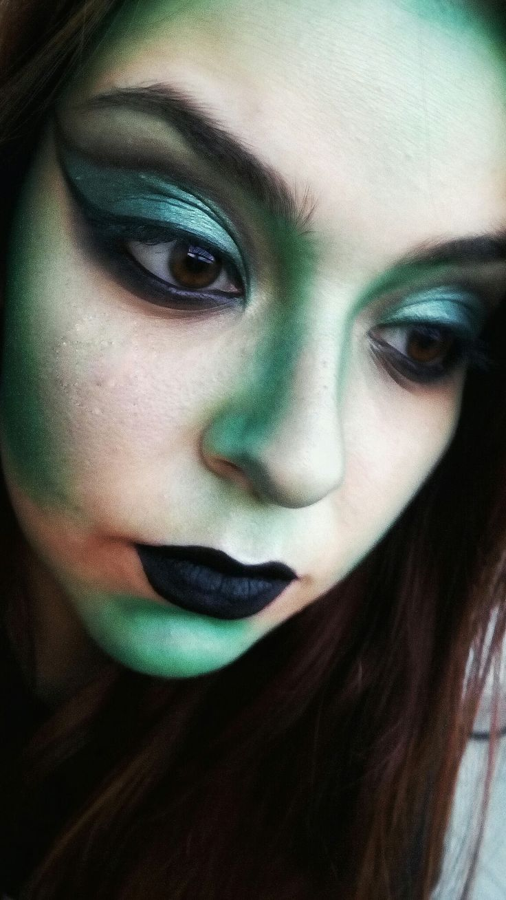 Wicked Witch of the West makeup
