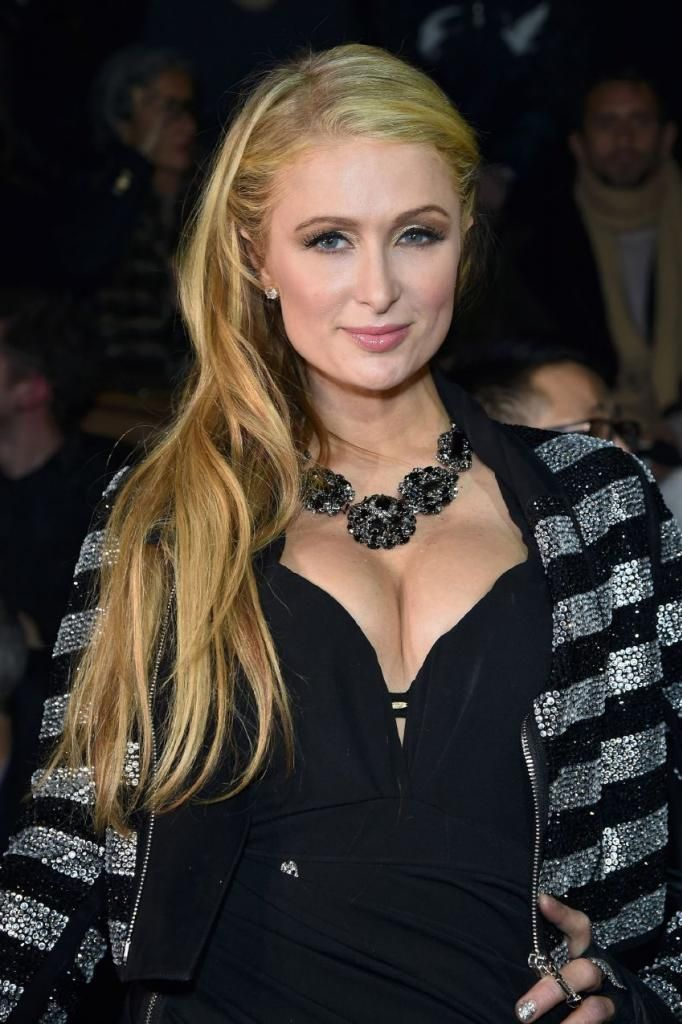Paris Hilton - Philipp Plein Fashion Show In Milan : Global Celebrtities (F) FunFunky.com