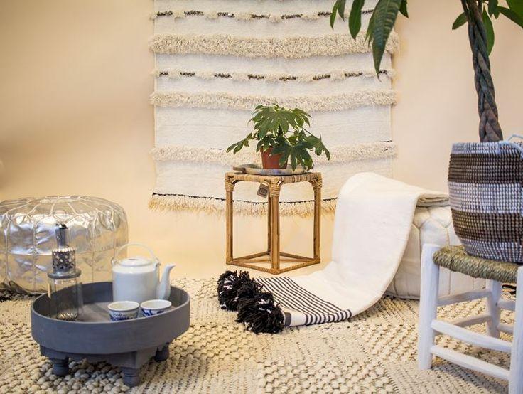 Marokkaanse woonaccessoires, poefs, dekens, dienbladen, theetafels en meer...