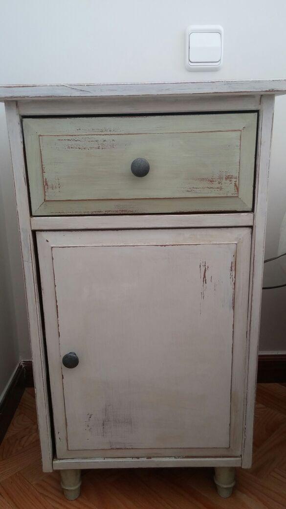 Estupenda transformaci n con autentico vintage chalk paint for Pintar muebles de ikea