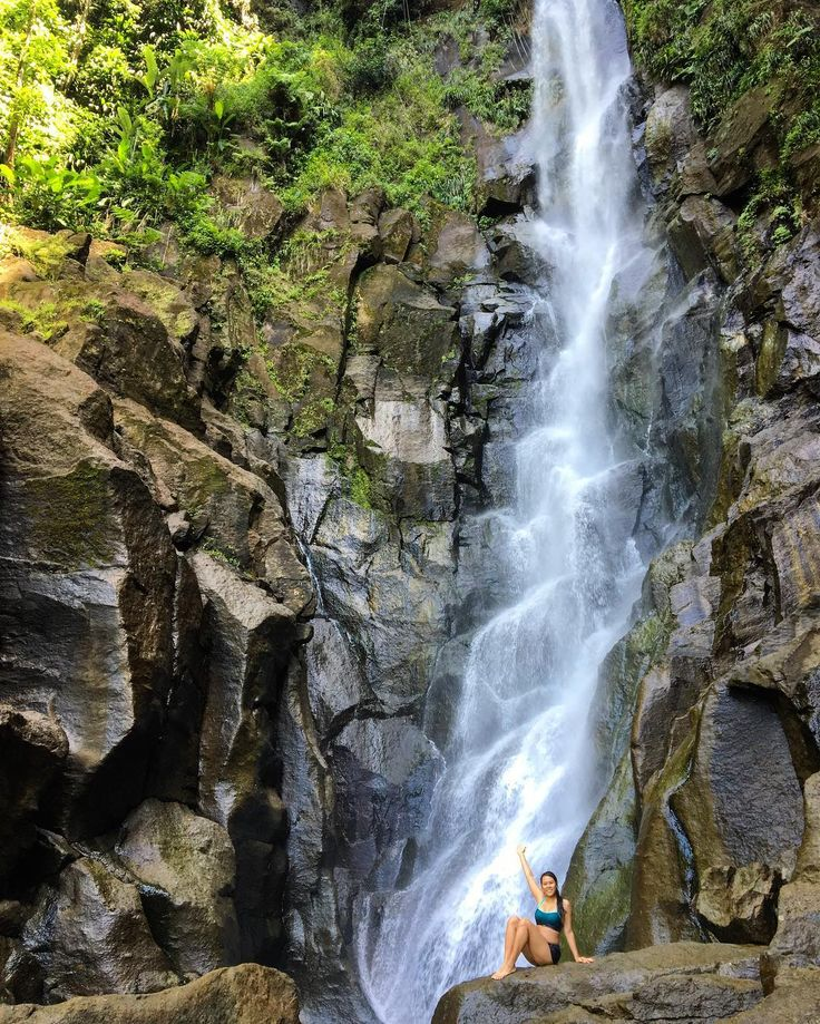 Parkour through nature this morning. Craziest hike I've done yet  #yolo #trafalgarfalls #dominica #carribeanlife #unsafe
