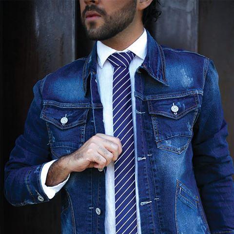 #FashionBySIMAN & Kingofjetlags: Las corbatas delgadas son una tendencia que nos hará ver modernos y sofisticados.