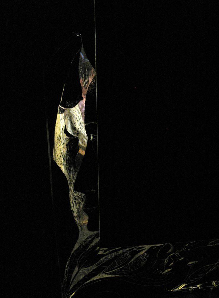 sticla gravata.oglinda madalinei.spate, detaliul3