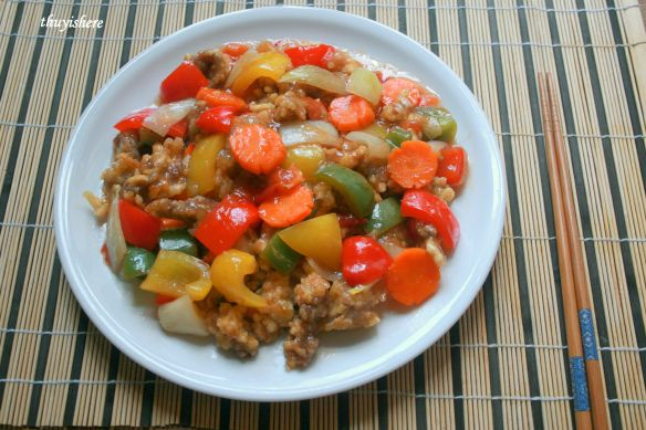 Tangsuyuk- Korean sweet and sour pork/ Thịt lợn sốt chua ngọt kiểu Hàn