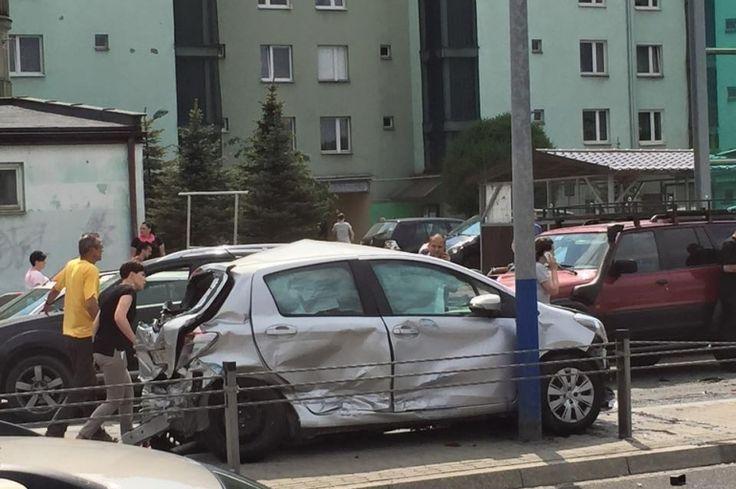 Karambol na Ruczaju. Sprawca nie ma pojęcia, co się stało [ZDJĘCIA] - Zdjęcie 9396 - LoveKraków.pl