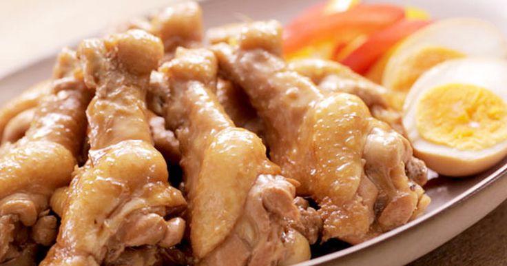 鶏手羽元とゆで卵を煮込むだけのカンタンメニュー。お肉がさっぱりとお召し上がりいただけます。