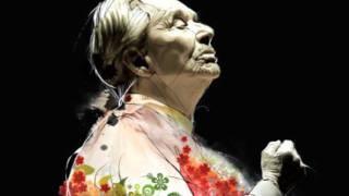 Cruz de olvido - Chavela Vargas en vivo., via YouTube.