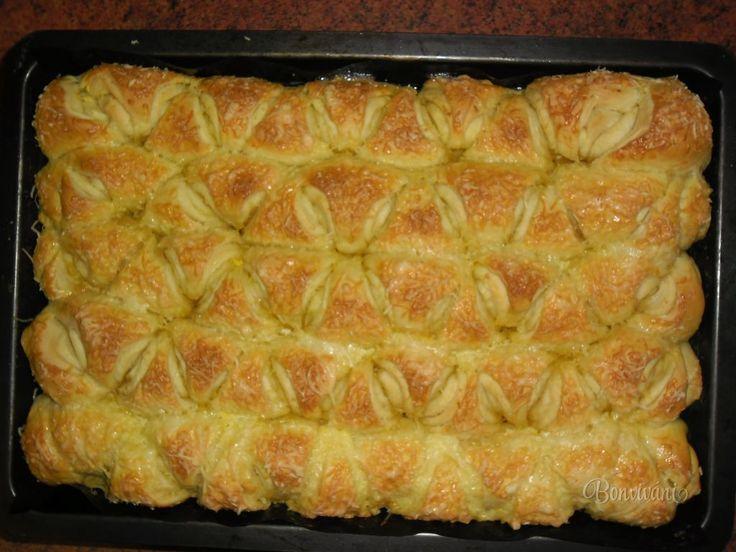 Česnekové trojúhelníčky • recept • bonvivani.sk