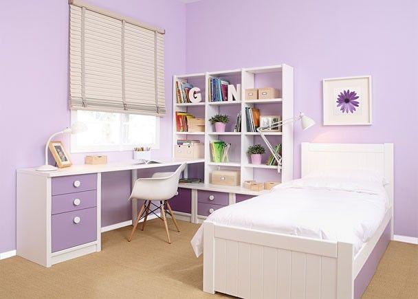 Habitación infantil colonial malva-blanco y violeta