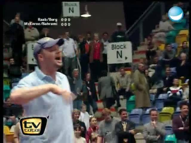 Besser Tennis spielen kann vermutlich John Mcenroe ;) Aber darum ging es doch auch gar nicht, denn in Sachen fluchen ist hier noch lange nichts entschieden.