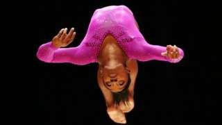 Image copyright                  Getty Images Image caption                                      Ninguna de las atletas mencionadas rompió ninguna regla al ser autorizadas para usar las sustancias prohibidas.                                Son estimulantes, reguladores, antiinflamatorios y analgésicos.  Todas están claramente especificadas en la lista de sustancias prohibidas por la Agencia Mundial Antidopaje (AMA), pero sus nombres aparec