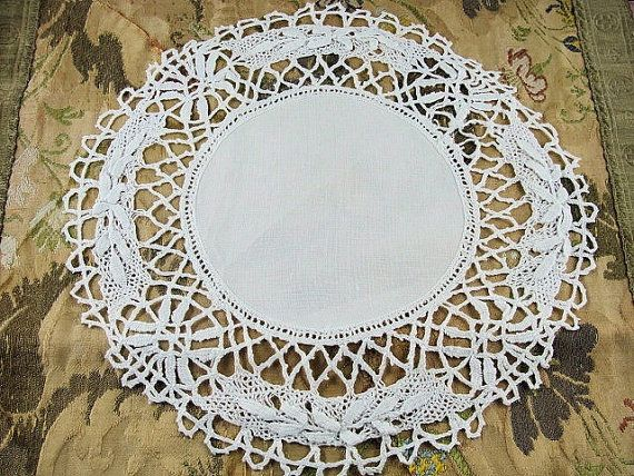 Lovely antique lustrous linen Cluny bobbin lace edged linen doily that measures 10.5 inches across, in fabulous condition, ready to be shown off on