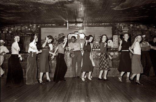 """October 1938. """"Roadhouse. Raceland, Louisiana. Girls at Dano's for free Friday night crab boil."""": Roadhouse Dance, Crabs Boiled, Historical Photo, 1930S Vintage, Louisiana 1930S, Night Crabs, Old Photo, Vintage Photo, Friday Night"""