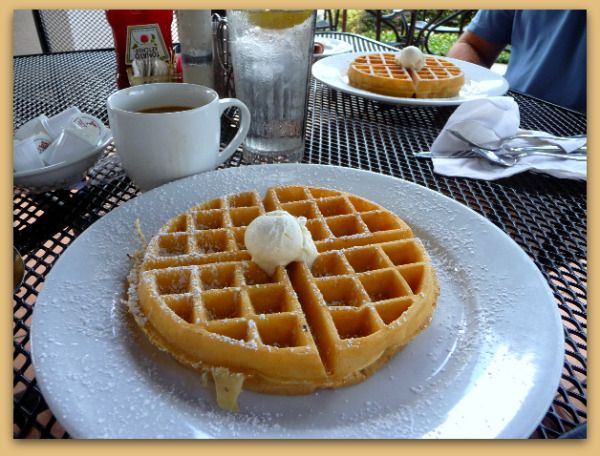 Peach Valley Cafe - Waffles