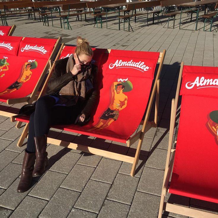 Herrliches Wetter mit ganz viel Sonne und auf den Almdudler-Mann ist auf jeden Fall Verlass! #kitzbühel #alpensonne #almdudler