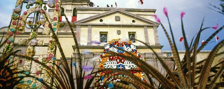 Si visitarás Querétaro durante las Fiestas Patrias, te recomendamos asistir a la fiesta de la Santa Cruz que se celebra todos los años en esta ciudad entre el 12 y el 15 de septiembre.