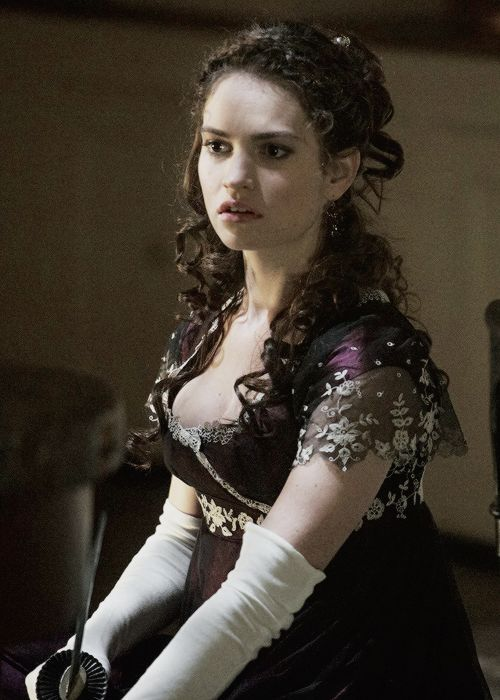 Lily James - Lizzie Bennet - Elizabeth Bennet - Pride and Prejudice and Zombies