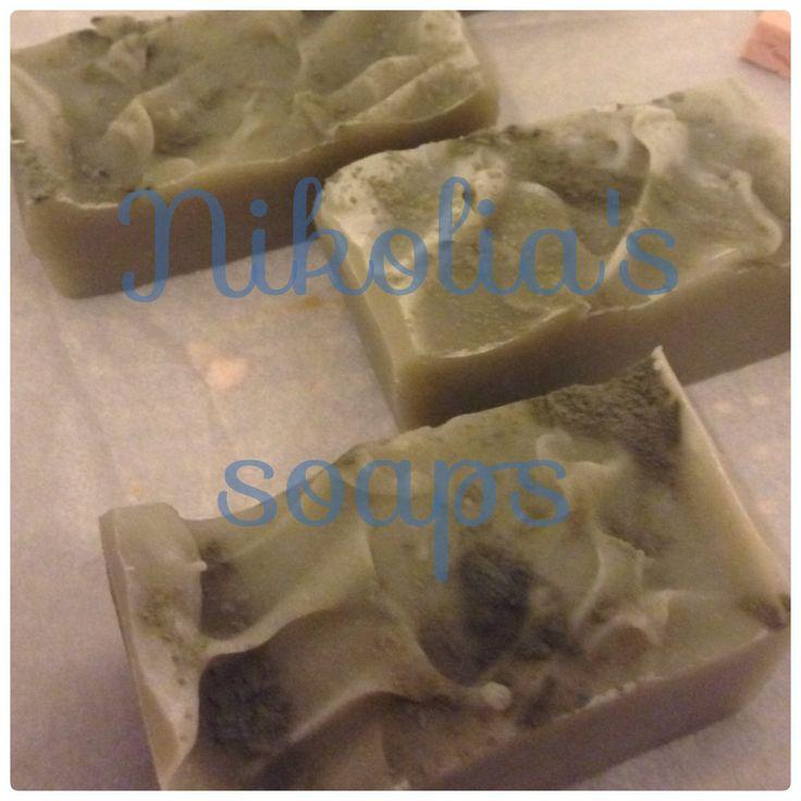 Σαπουνι με λαδι καρυδας, καστορέλαιο, πράσινο άργιλο και αιθεριο έλαιο tea tree